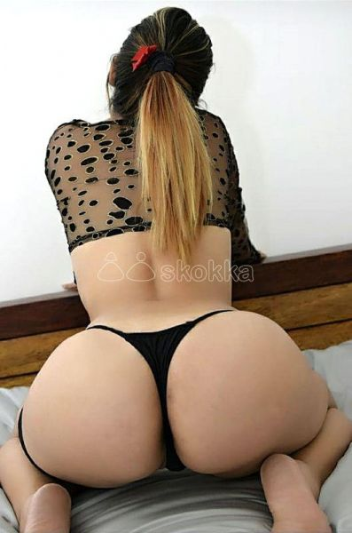 Hola soy karol, hermosa joven colombiana de 24 años . Soy una chica muy educada, cariñosa y complaciente conmigo disfrutaras momentos de mucha pasión y sensualidad, poseo un cuerpo con el que te querrás deleitar y hacer todas tus fantasías y pasar un momento lleno de mucho placer te ofrezco masajes eróticos , oral, vaginal apretadito . Tengo apartamento privado para atenderte escríbeme o llama para mas información.